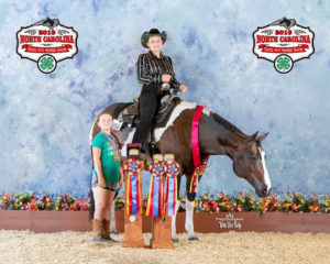 4-H teens with horse